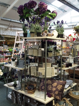 Ashtead Park Garden Centre - Gift Shop